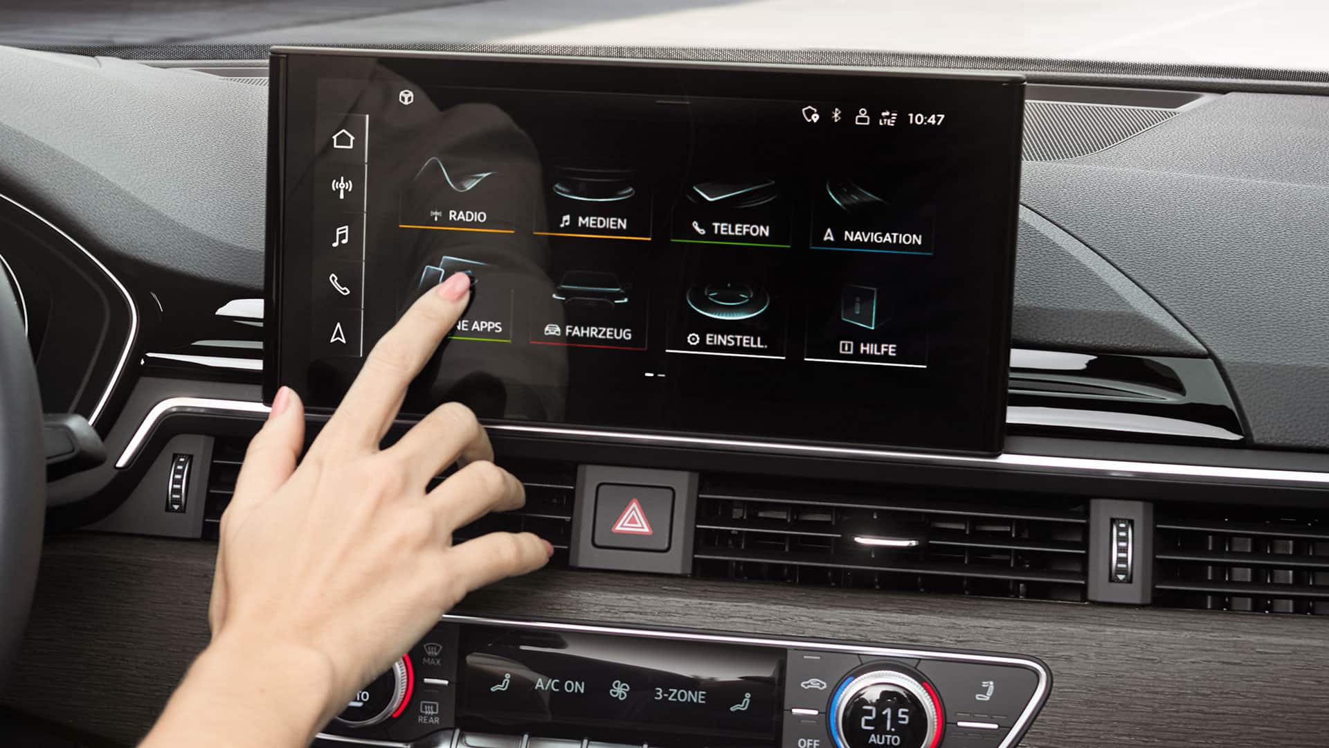 MMI touch-Display im Audi A5 Coupé